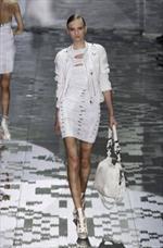 Bondage più bianco che nero: trend Primavera Estate 2010