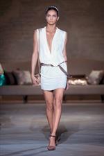 Patrizia Pepe adotta per la sua nuova collezione un look raffinato e strong