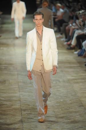 cerruti giacca bianca pe 2011