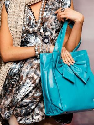 camomilla milano borsa celeste ai 2010