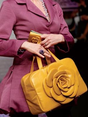 camomilla milano borsa gialla ai 2010