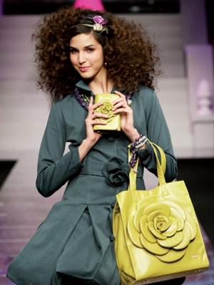 camomilla milano borsa verde ai 2010