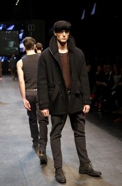 ... maglia lana dolce e gabbana collezione autunno inverno 2010 2011  cappotto collo alto ... 8e1a008c65d