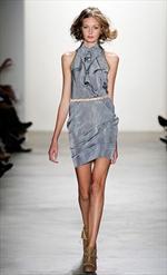 Gli abiti fluorescenti della Collezione Primavera Estate 2010 di Costello Tagliapietra