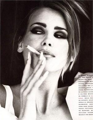 il mondo della moda contro le sigarette collezione primavera estate 2012 02
