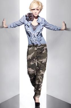 Paola-Barale-Talco-Collezione-Primavera-Estate-2010-Pantalone-Militare