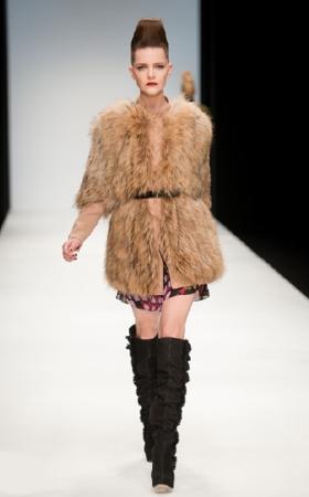 issa london pelliccia autunno inverno 2010