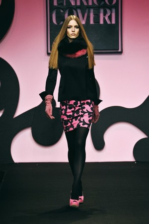 colore ed eleganza per enrico coveri collezione donna autunno inverno 2012 2013 01