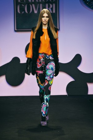 colore ed eleganza per enrico coveri collezione donna autunno inverno 2012 2013 09