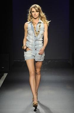 Phard-Collezione-P-E-2010-Abito-Jeans
