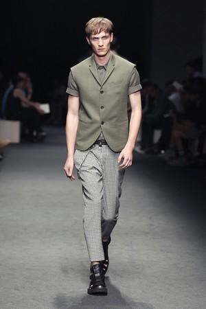 neil barrett uomo collezione primavera estate 2012 07