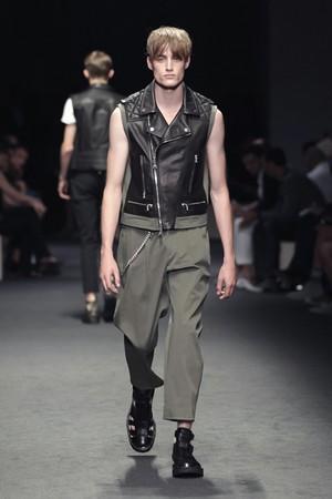 neil barrett uomo collezione primavera estate 2012 12