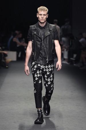 neil barrett uomo collezione primavera estate 2012 17