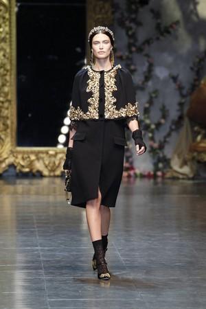 f07c6f0b89 Dolce e Gabbana, suggestioni orientali Collezioni AI 2012/2013 ...