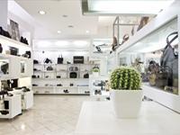 Peppe o' Piezzo, nuova area dedicata alle borse, valigeria e accessori