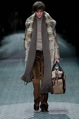 gucci maxi sciarpa collezione autunno inverno 2011 2012