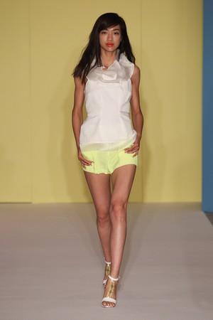 paola frani donna collezione primavera estate 2012 04