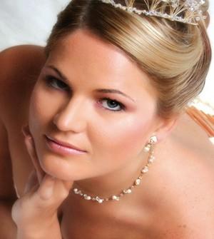 come fare per avere un make up da sposa perfetto lezioni di bellezza primavera estate 2012 02