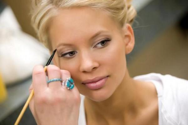 come fare per avere un make up da sposa perfetto lezioni di bellezza primavera estate 2012 04