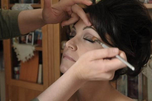 come fare per avere un make up da sposa perfetto lezioni di bellezza primavera estate 2012 05