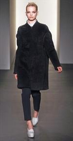 Calvin Klein, linee geometriche e bon ton
