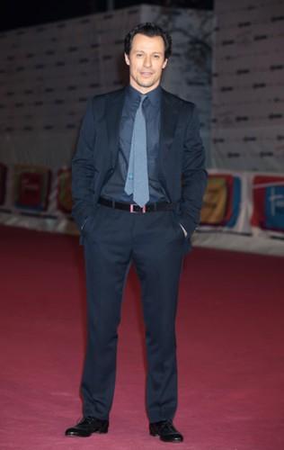 stefano accorsi veste gucci roma 2011