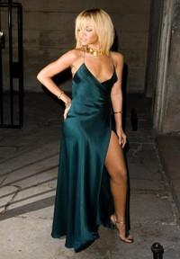 le celebrita scelgono lo spacco quello vertiginoso tendenze collezione primavera estate 2012 02