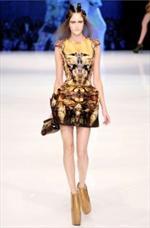 L'estro di Alexander McQueen nella Collezione Primavera Estate 2010