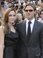 Angelina Jolie sfoggia un abito di Vivienne Westwood al Toronto Film Festival 2011