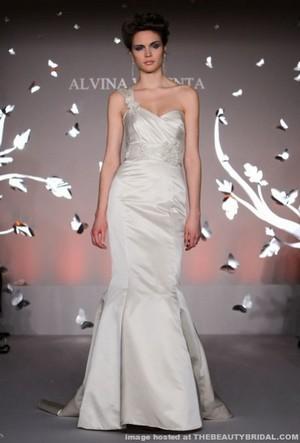 alvina valenta donna sposa collezione primavera estate 2012 01
