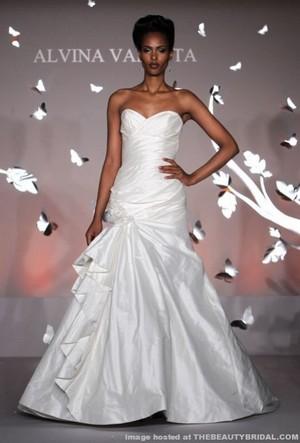 alvina valenta donna sposa collezione primavera estate 2012 04
