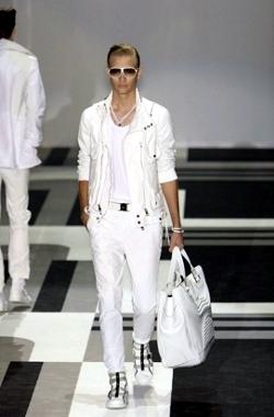 Guarda le Collezioni di Gucci