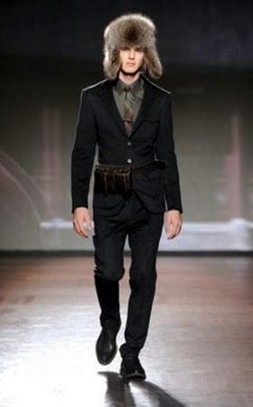 9e5bb505152fd Ermenegildo Zegna disegna un uomo austero e raffinato AI 2011 2012 ...