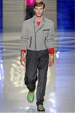 versace uomo collezione primavera estate 2012 27