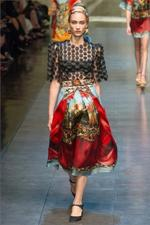 Dolce & Gabbana, colori vivaci e fantasiose geometrie